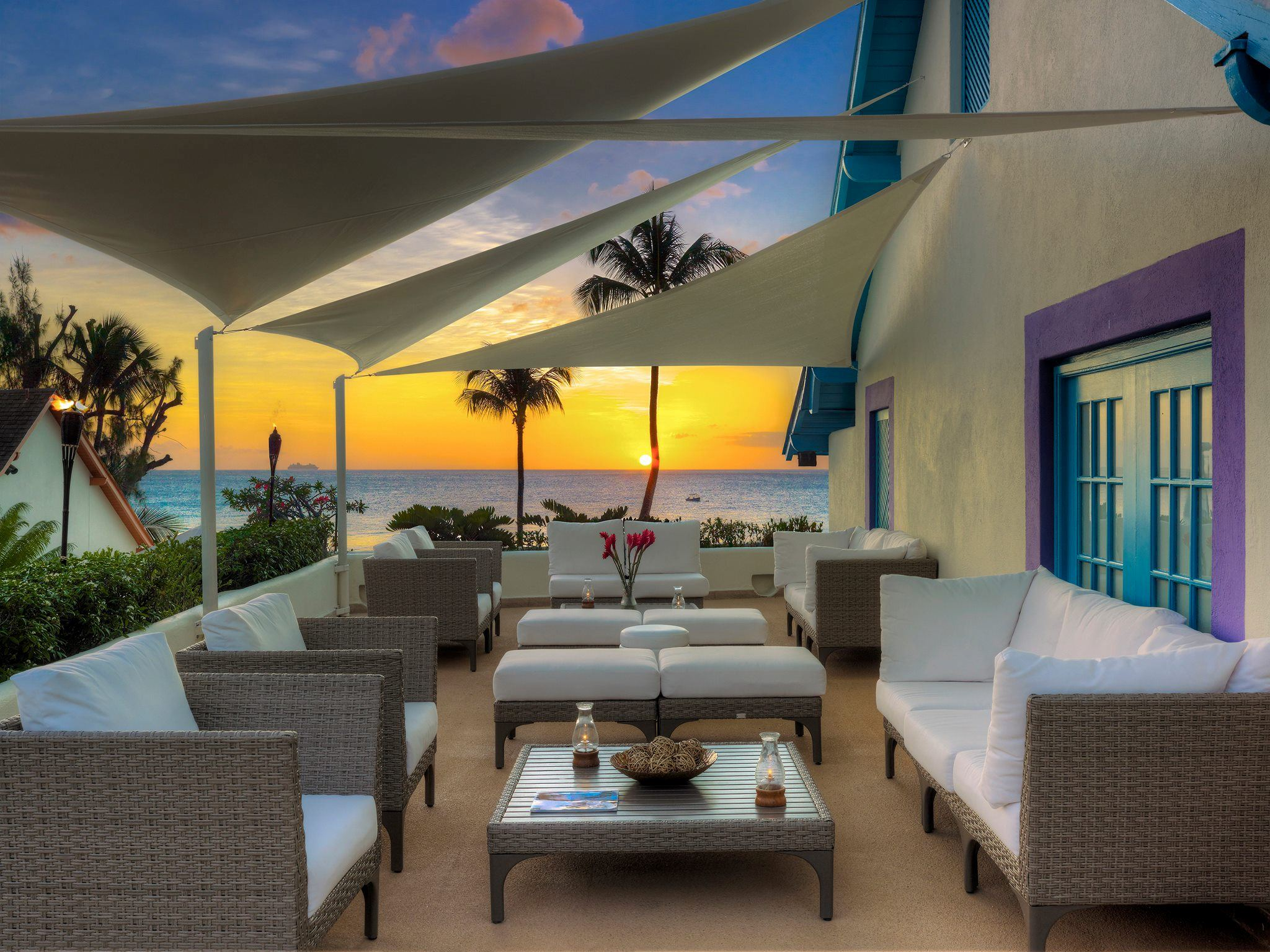 Crystal Cove by Elegant Hotels - 7
