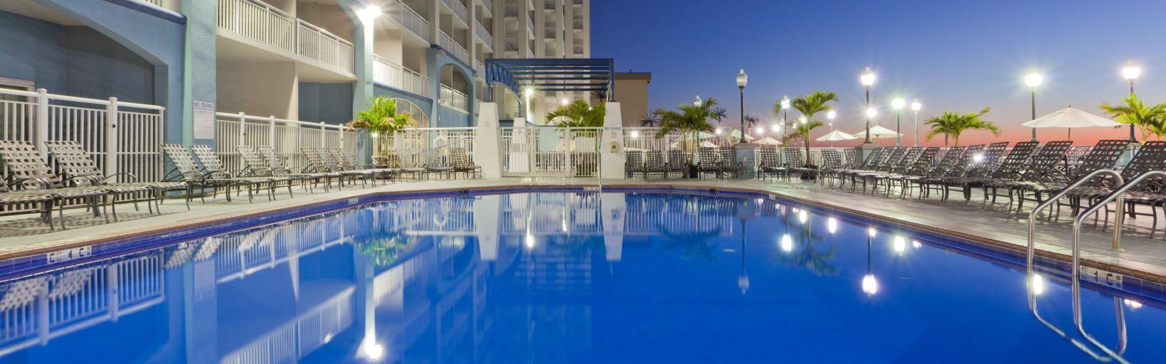 Holiday Inn Hotel and Suites,  Ocean - 6