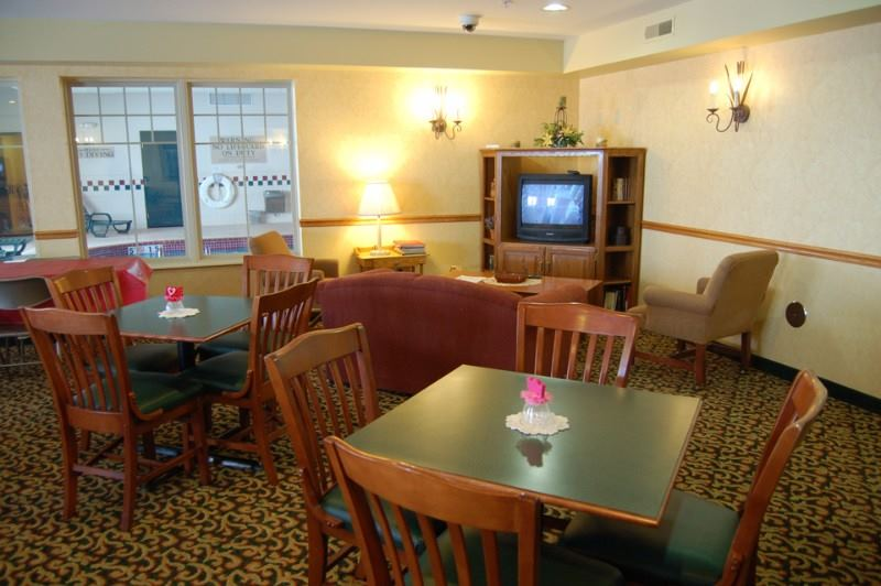 Country Inn and Suites by Carlson, Galena - 3