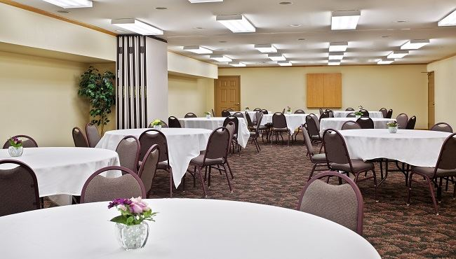 Country Inn and Suites by Carlson, Galena - 2