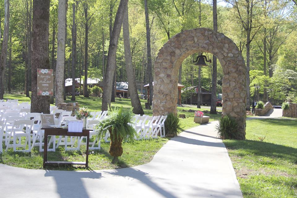 Lazy G Wedding Chapel and Cabin Rentals - 5