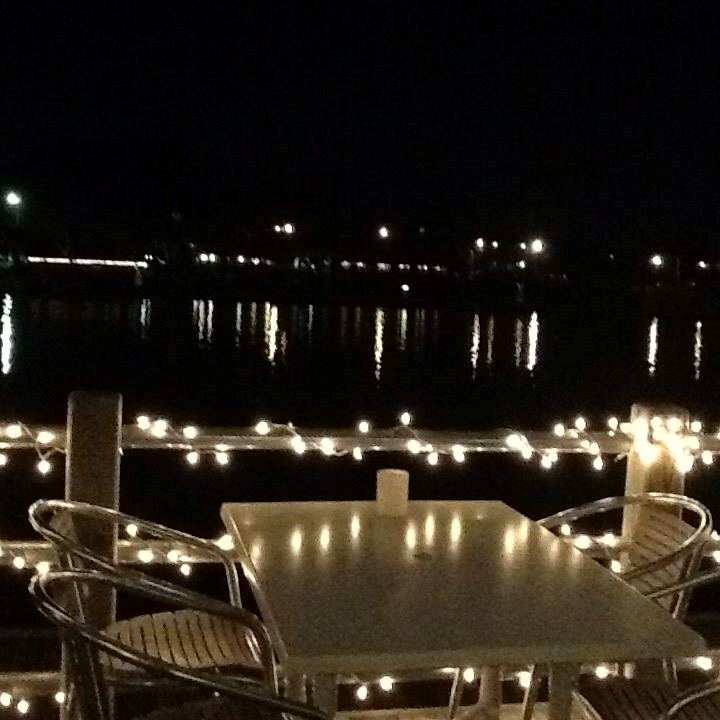 Bluewater Waterfront Grill - 6
