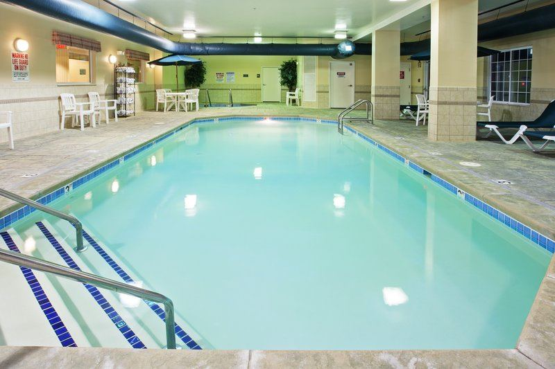 Country Inn and Suites By Carlson, Indianapolis Airport South - 4