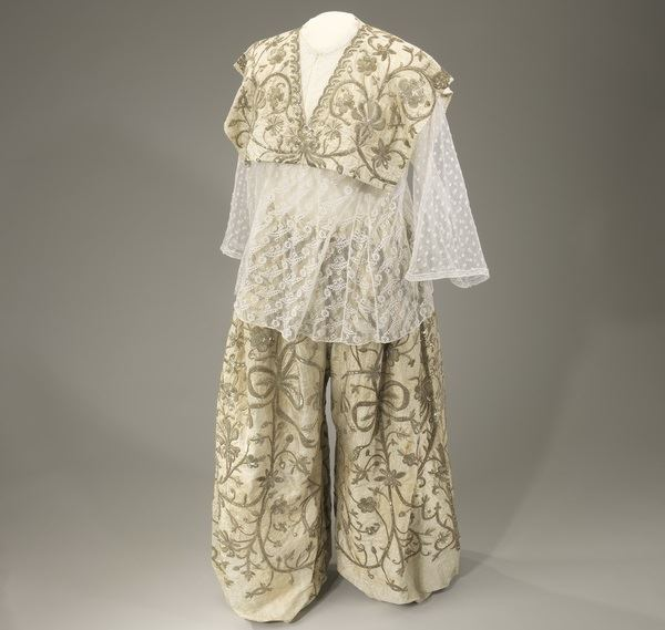20th Century Wedding Pantsuit from Tunsinia, Image Courtesy of The Israel Museum, Jerusalem