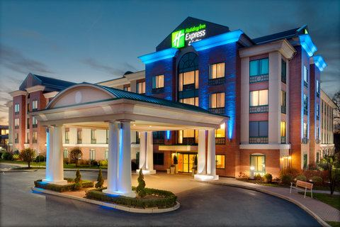 Holiday Inn Express Hotel And Suites Warwick Providence Airport - 1