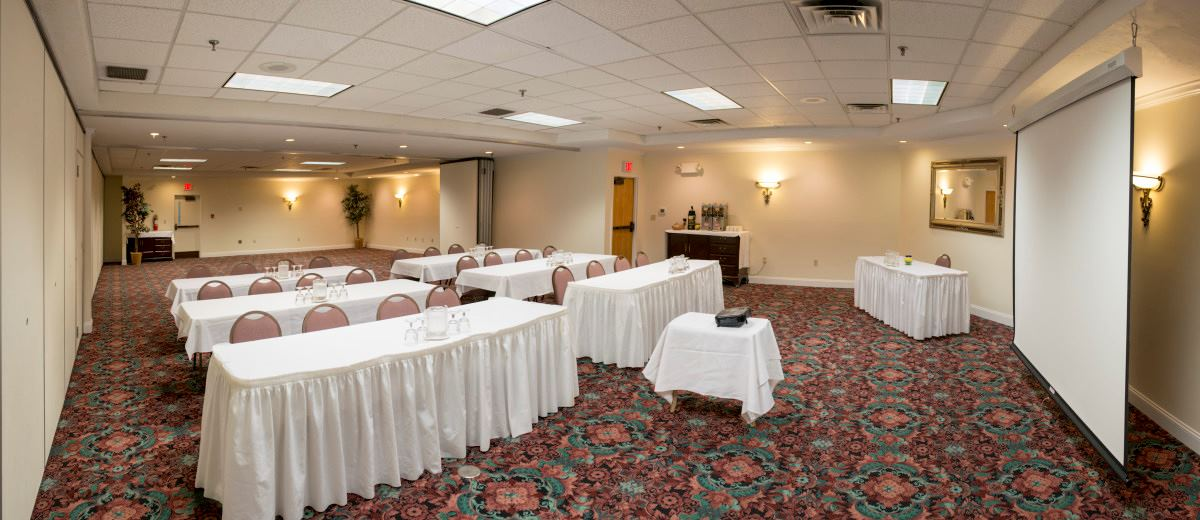 Black Bear Inn Conference Center And Suites - 3