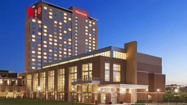 Sheraton Overland Park Hotel At The Convention Center - 1