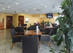 Airport Hotel Budapest - 4