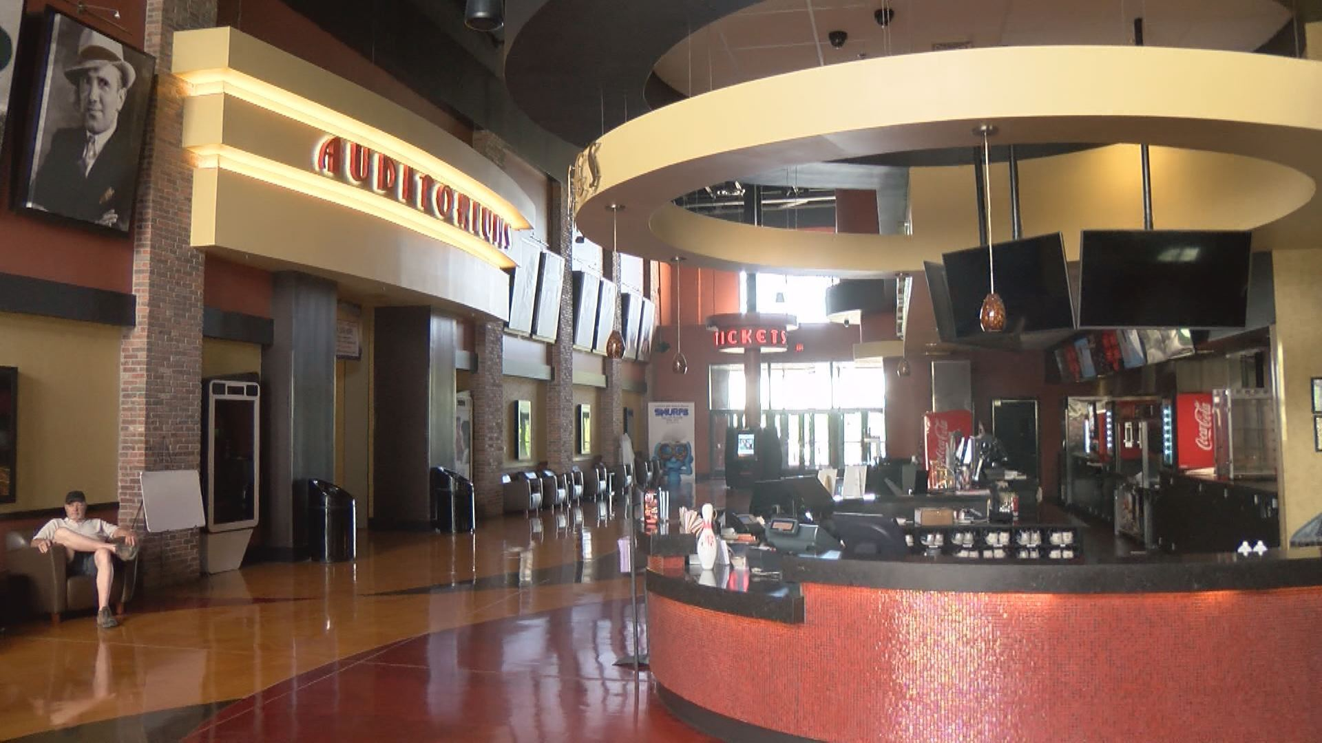 Frank Theatres Cinebowl Grille - 4