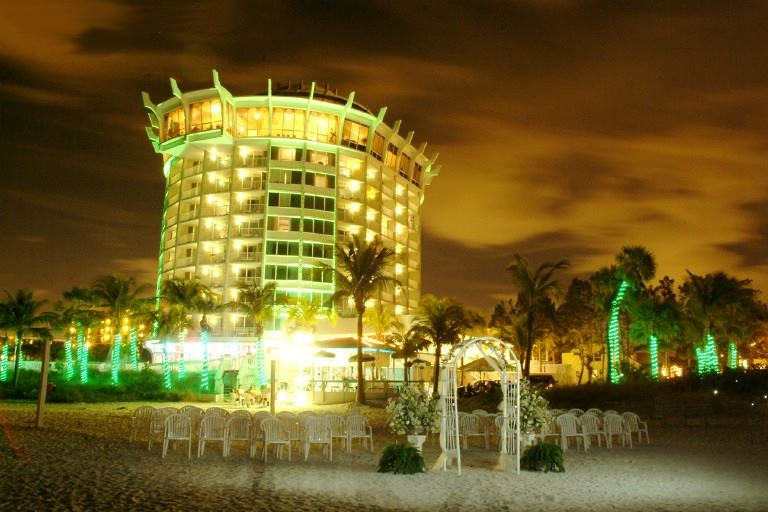 Grand Plaza Beachfront Hotel - 2