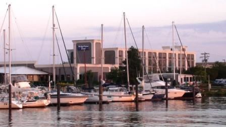 Bridgepoint Hotel and Marina - 6