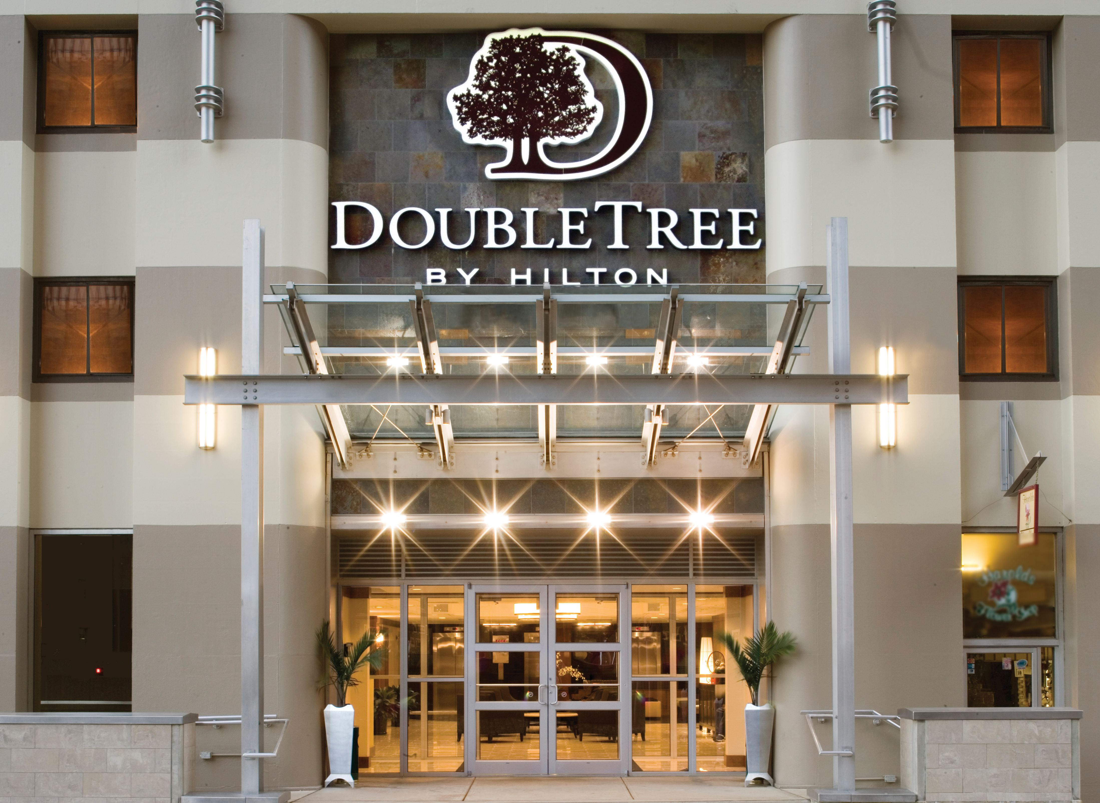 DoubleTree by Hilton Hotel and Suites Pittsburgh Downtown - 1