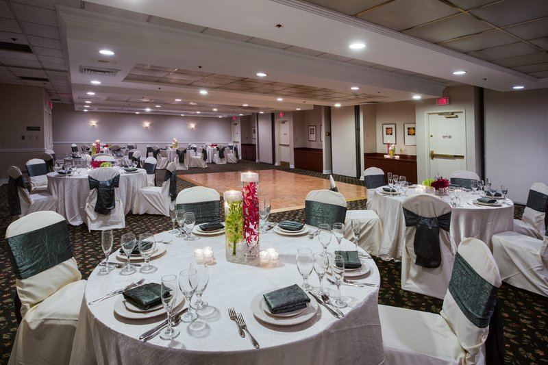 Country Inn and Suites by Carlson, Naperville - 2