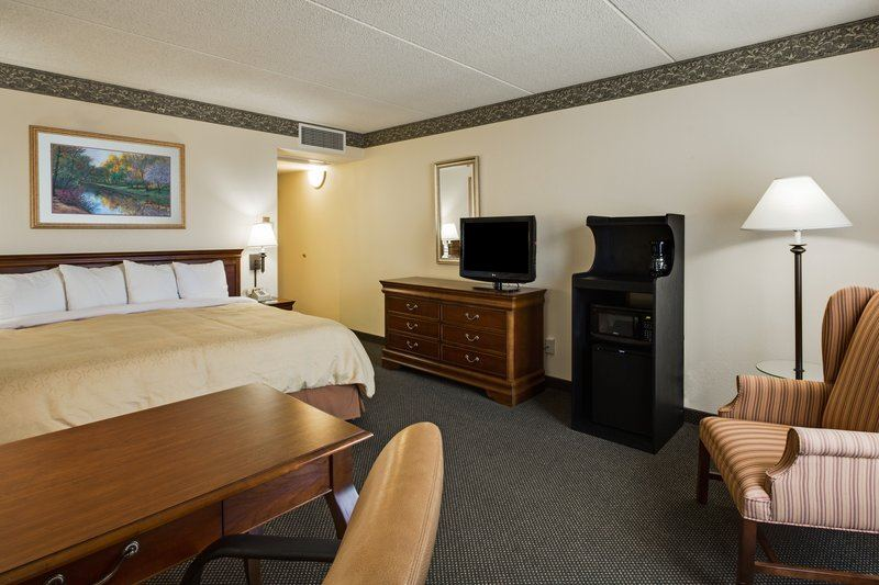 Country Inn and Suites by Carlson, Naperville - 4