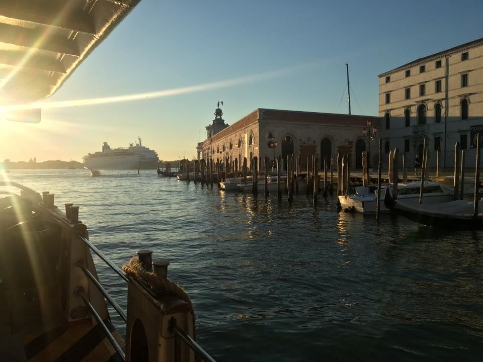 Hotel Monaco and Grand Canal - 2