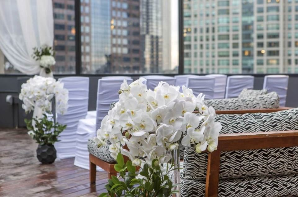 Cambria Chicago Magnificent Mile/52Eighty Rooftop Lounge - 4