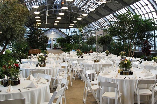 Garfield Park Conservatory Wedding.Garfield Park Conservatory Chicago Illinois Wedding Venue