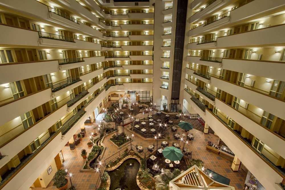 Embassy Suites Greenville Golf Resort and Conference Center - 4