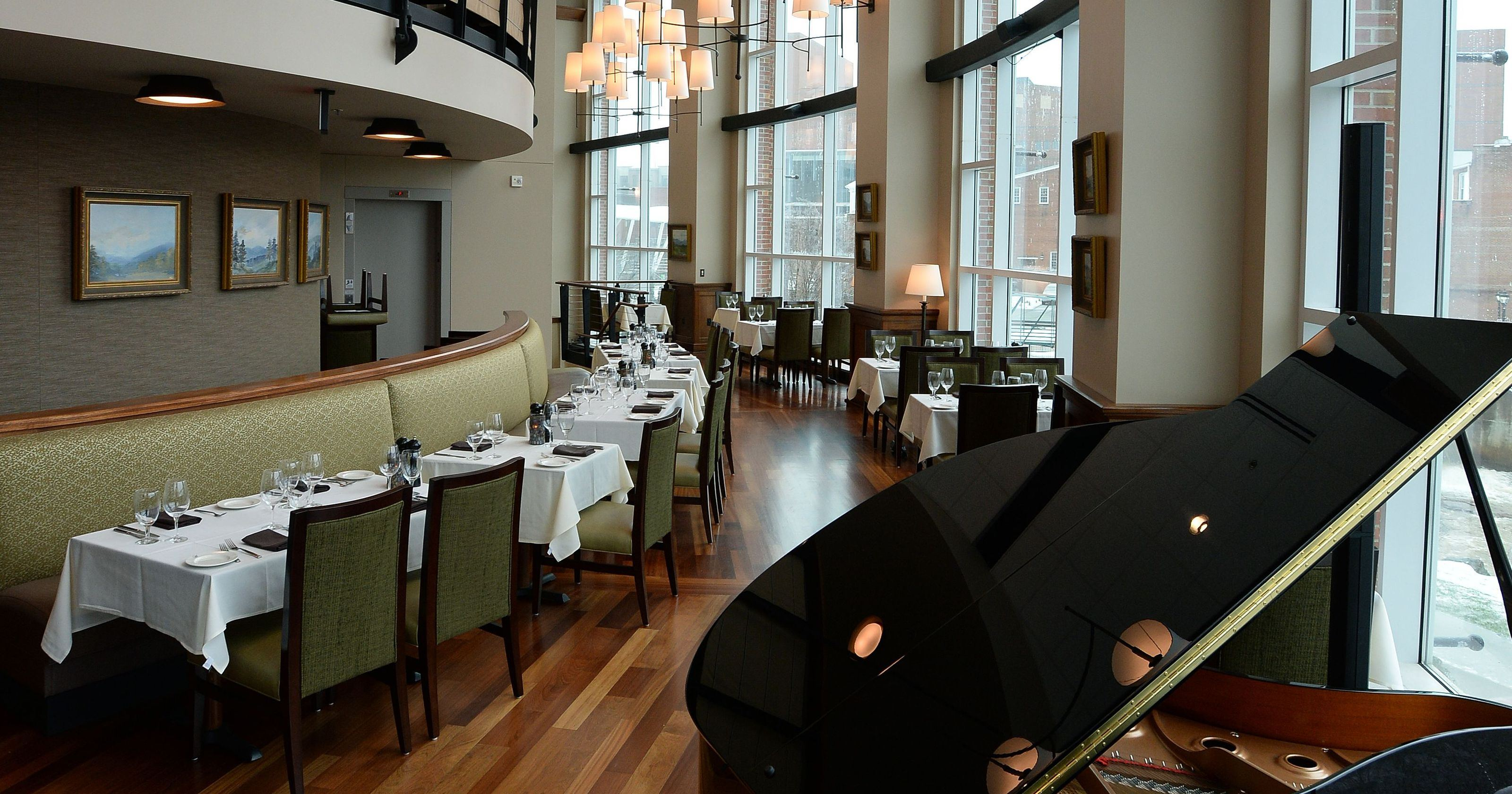Hall's Chophouse Greenville - 3