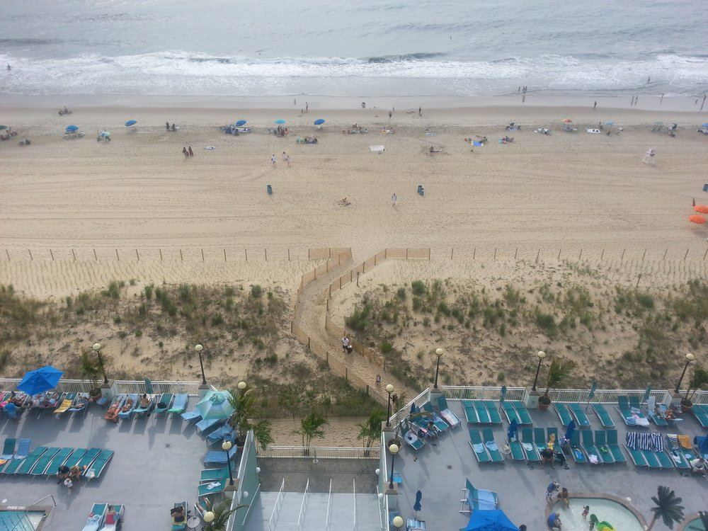 Hilton Ocean City Oceanfront Suites - 2