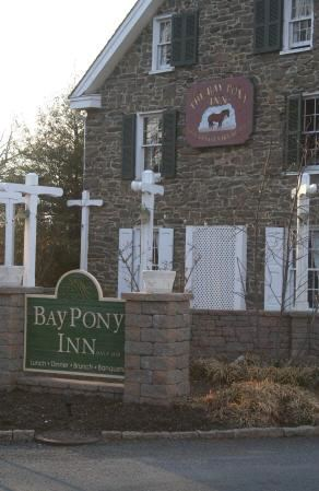 Bay Pony Inn - 7