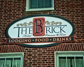 Brick Hotel on the Circle - 2
