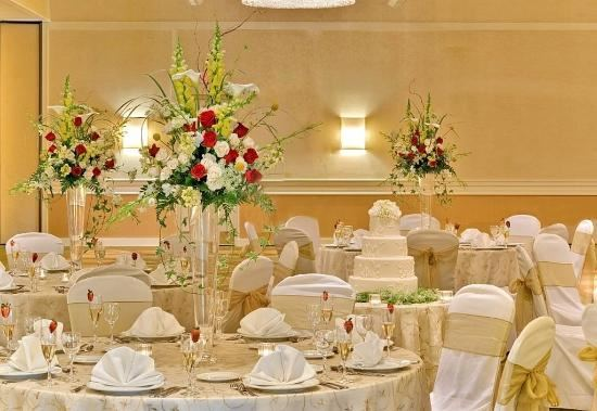 Double Tree by Hilton Boston-Andover - 3