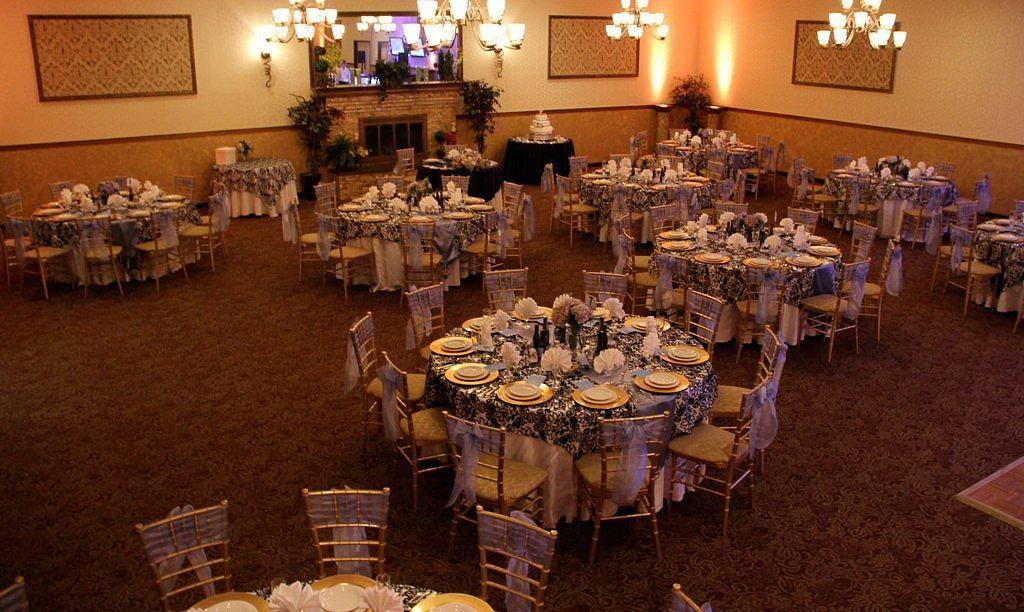 A Villa Louisa Bolton Ct Wedding Venue