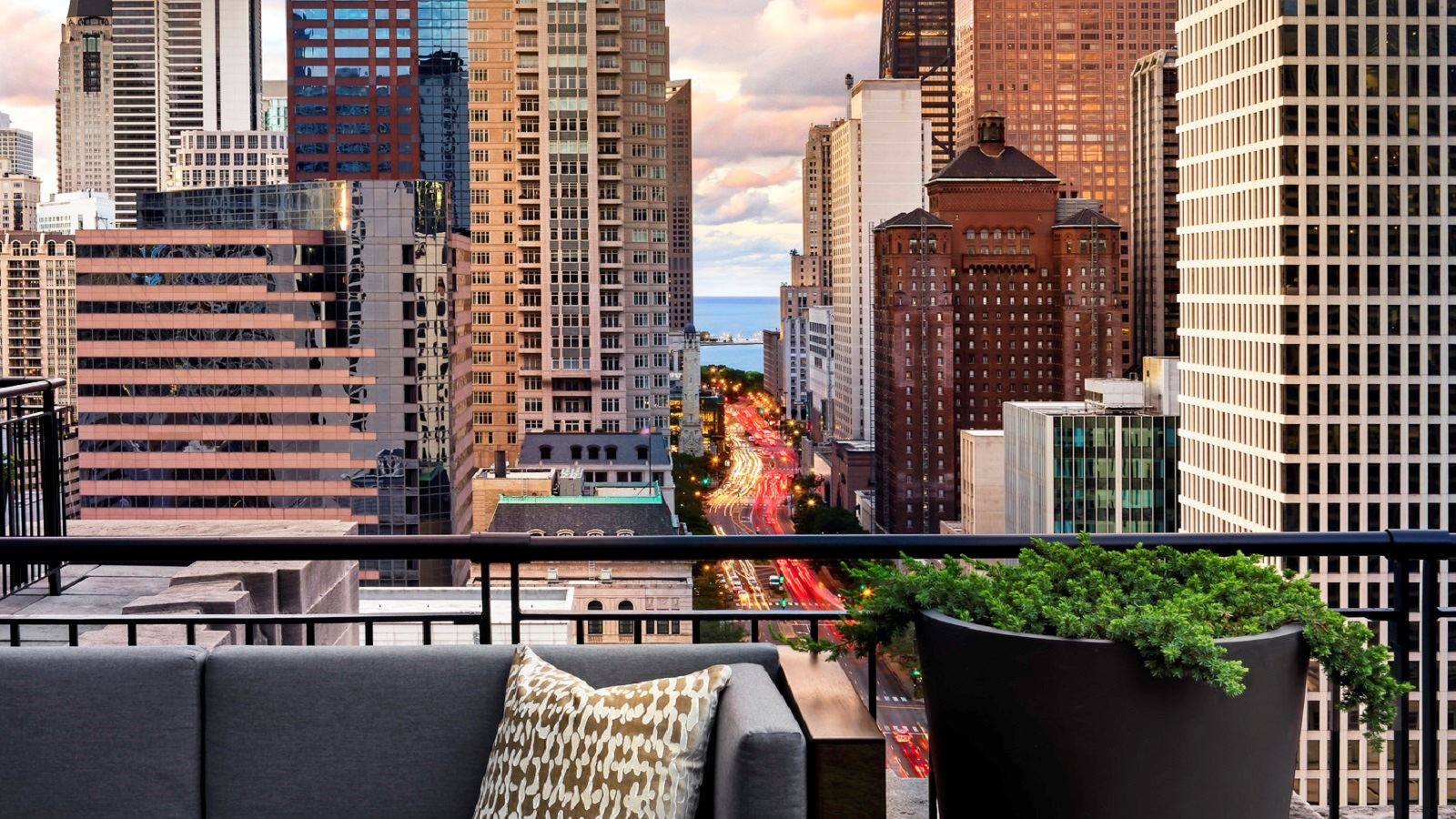 The Gwen, A Luxury Collection Hotel, Chicago - 3
