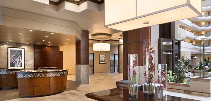 Embassy Suites Hotel Des Moines  Downtown - 2
