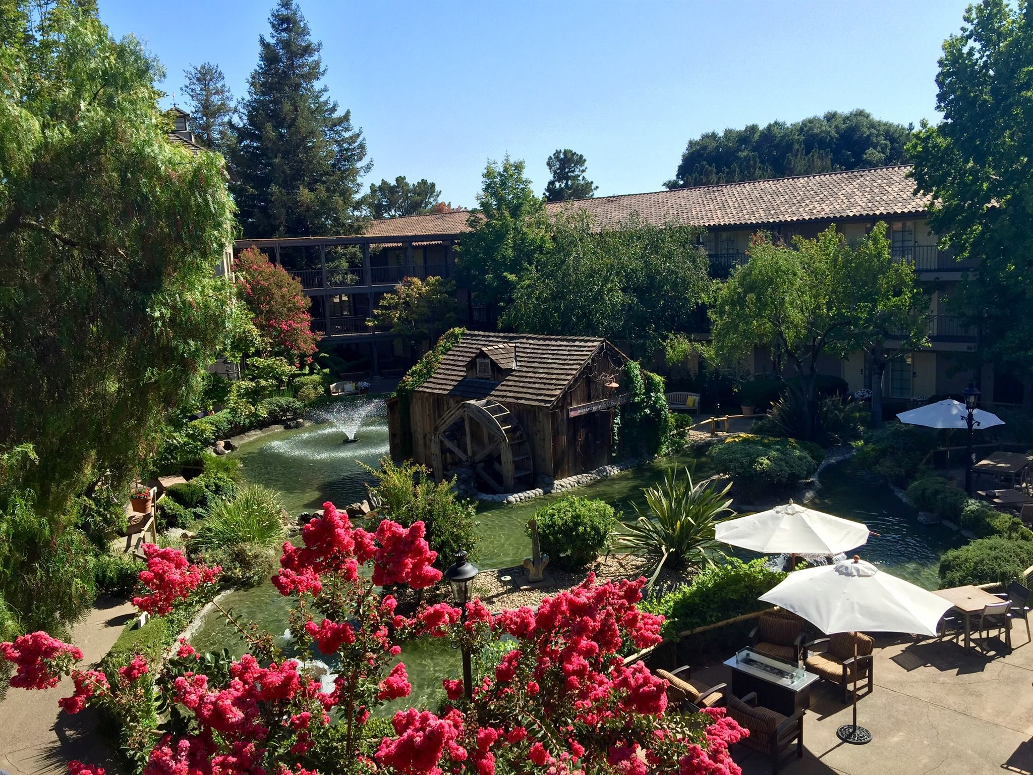 Embassy Suites by Hilton Napa Valley - 2