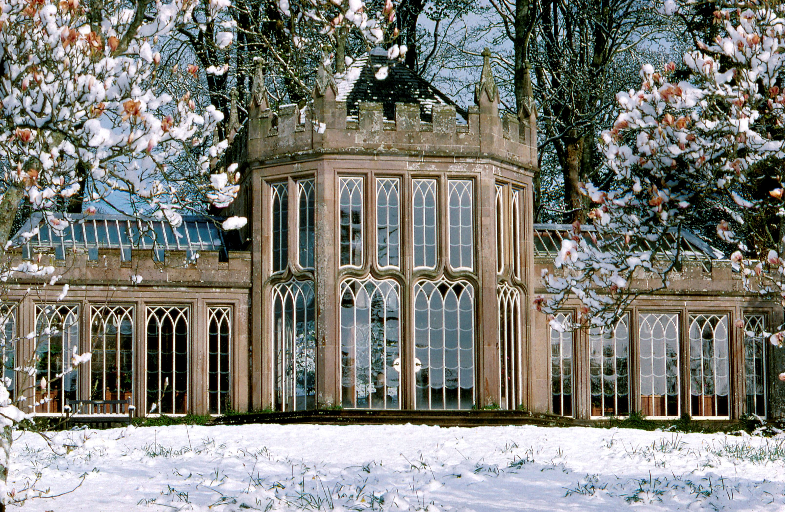 https://www.worldclassweddingvenues.com/Images/worldclassweddingvenues/cam_house_in_the_snow.jpg