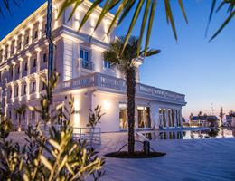 Villa Pascucci is a  World Class Wedding Venues Gold Member
