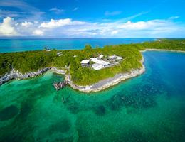 Sandy Toes, Rose Island is a  World Class Wedding Venues Gold Member