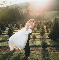 Jeter Mountain Farm is a  World Class Wedding Venues Gold Member