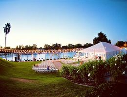 Scott's Seafood On The River is a  World Class Wedding Venues Gold Member