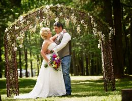 The Pasture at Willows Ranch is a  World Class Wedding Venues Gold Member