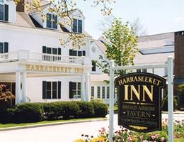 Harraseeket Inn is a  World Class Wedding Venues Gold Member