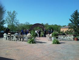 Williams On The Lake is a  World Class Wedding Venues Gold Member