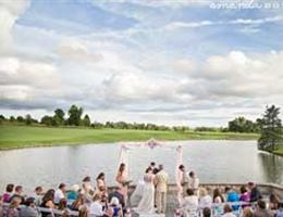 Stonelick Hills is a  World Class Wedding Venues Gold Member