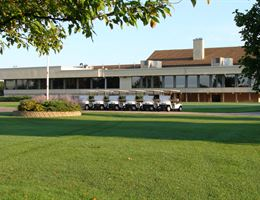 Mason City Country Club is a  World Class Wedding Venues Gold Member