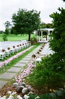 Lake Windsor Country Club is a  World Class Wedding Venues Gold Member
