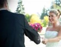 Meridian Valley Country Club is a  World Class Wedding Venues Gold Member