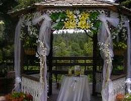 The Lodge Resort And Spa is a  World Class Wedding Venues Gold Member