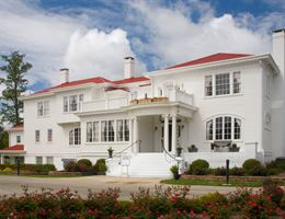 The Obici House At Sleepy Hole Golf Course is a  World Class Wedding Venues Gold Member