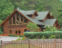 Smoky Mountain Lodge Weddings is a  World Class Wedding Venues Gold Member