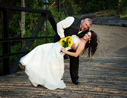 Flint Creek Country Estate is a  World Class Wedding Venues Gold Member