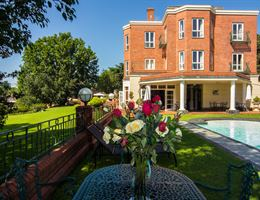 Redlands Hotel is a  World Class Wedding Venues Gold Member