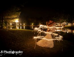 Angels Cottage On The Lake is a  World Class Wedding Venues Gold Member