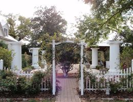 The henry smith house is a  World Class Wedding Venues Gold Member